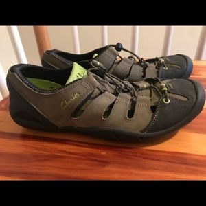 CLARKS ROCK CLIMBING SHOE WMS 8.5 Mens 7 EU40 NEW